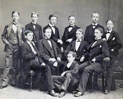 Gruppbild. Från vänster: Axel Johansson, Harry Hill, Eric Le