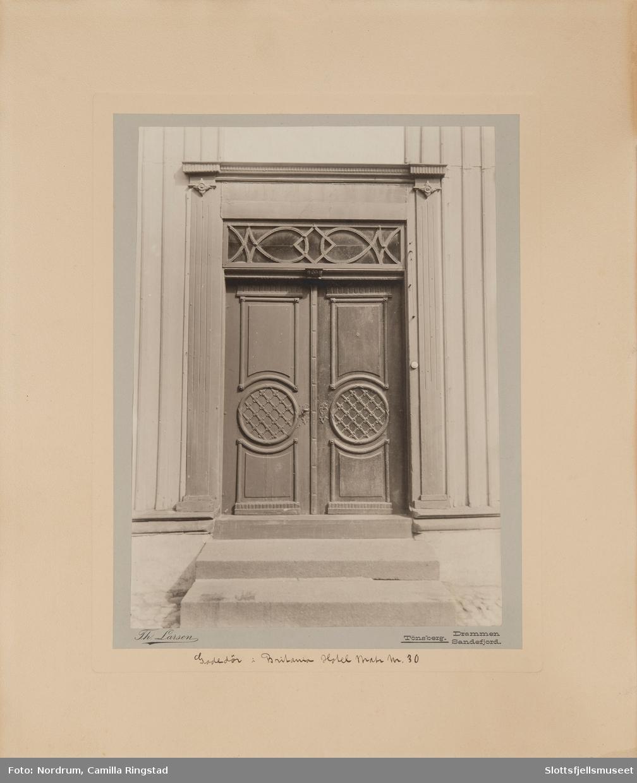 Gatedør i Britania Hotel, matrikkel nr. 30