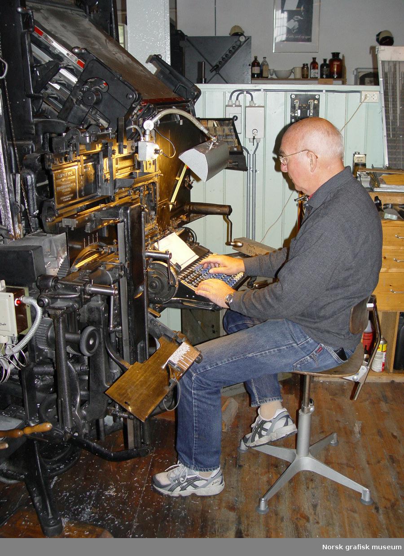 Linotype modell 31 No. 68872 Funksjon: Sette og støpe blylinjer til bøker/aksidens/aviser.