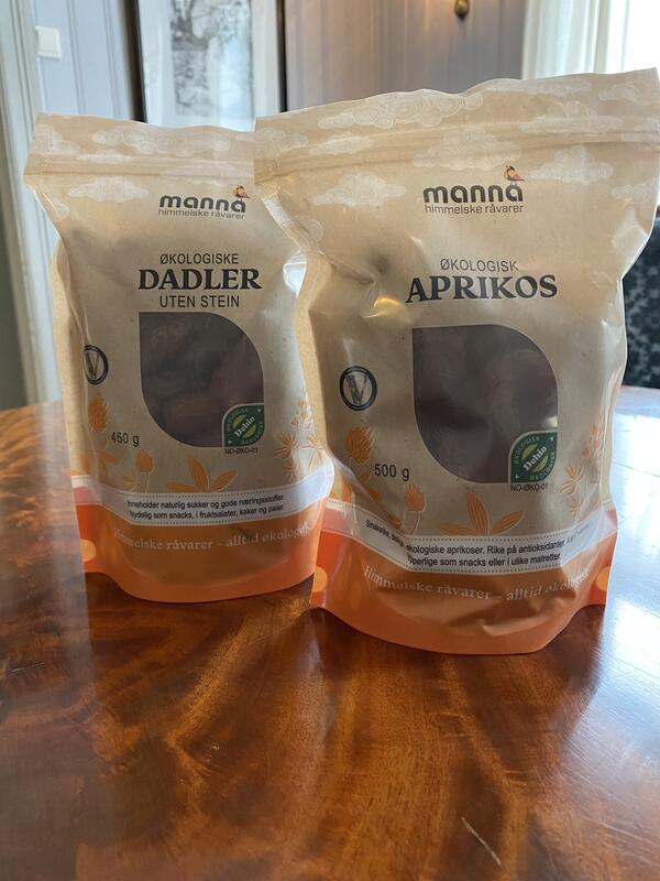 Dadler og aprikos 500 g kr 130,- (Foto/Photo)
