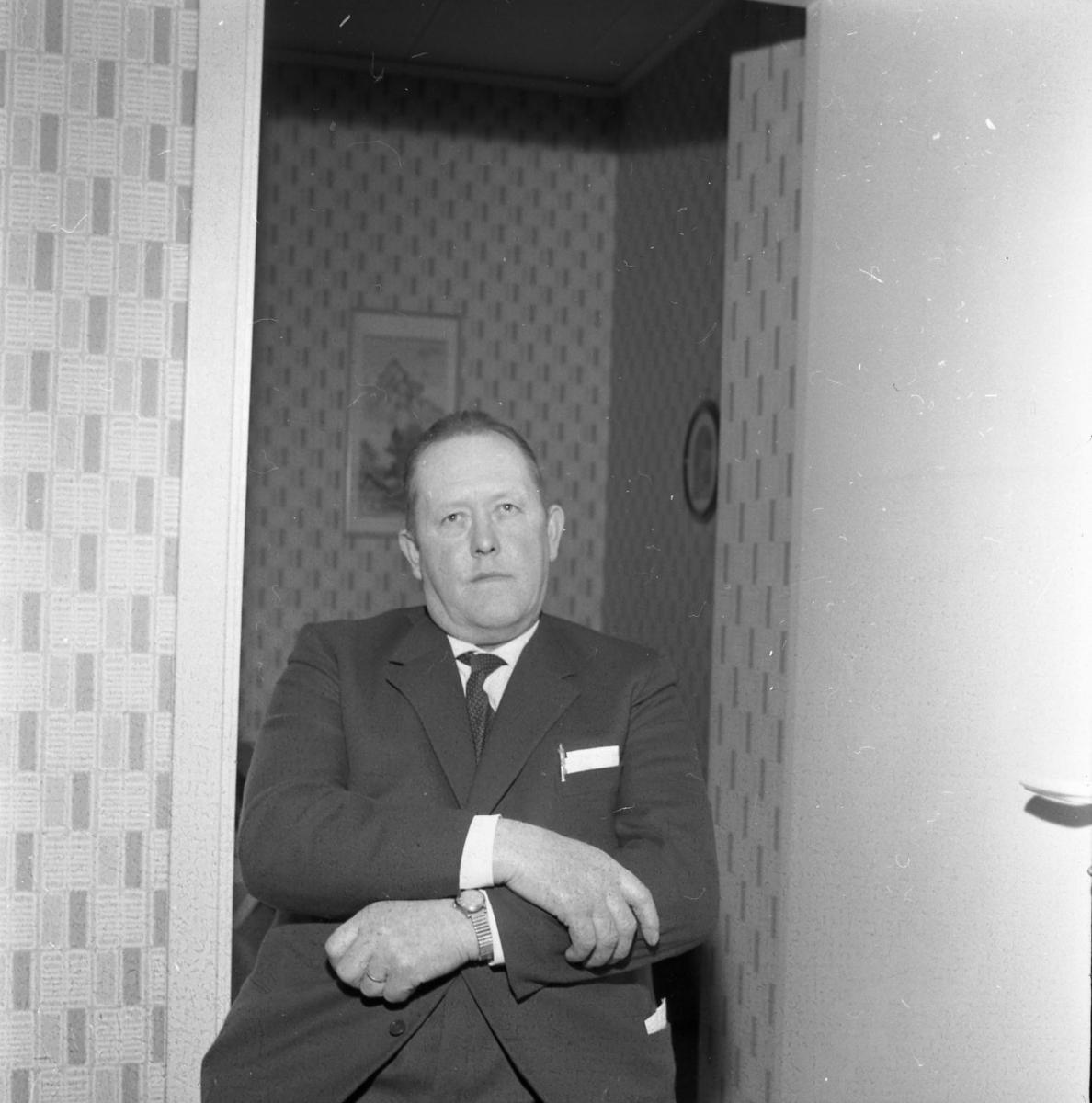 Porträtt av Henry Larsson, kommunalnämdens ordförande.