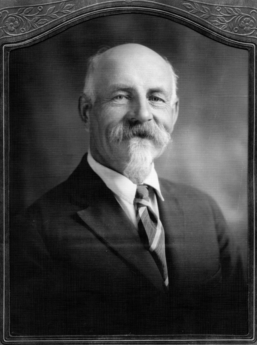 Siggebohyttans bergsmansgård.  Karl Axel Andersson, född 12 december 1865, bosatt i USA. Per Erik Anderssons son.