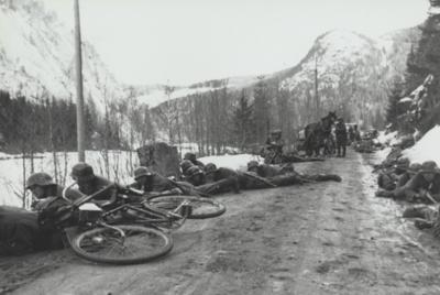 Ved Islandsmoen, 18. april 1940. Foto: Otto Lanzinger. (Foto/Photo)