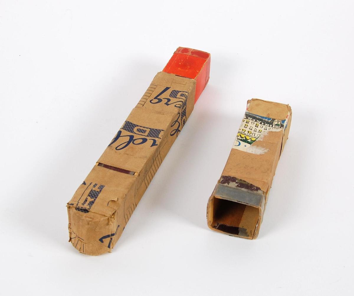 Etui til blokkfløyte - SS-49476. Forsterket med papirtape merket Tandberg RADIO og plasttape..