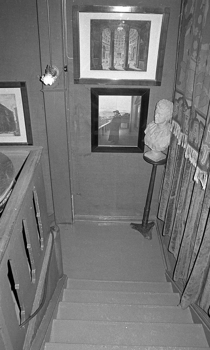 DOK:1971,trapp, byste, Bergliot, foto, vev,