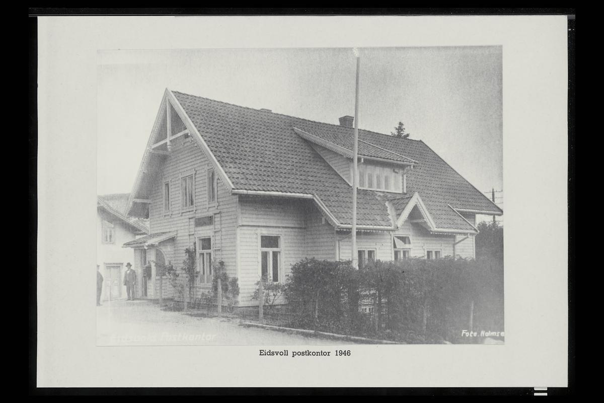 eksteriør, postkontor, 2080 Eidsvoll, postkasse, mann