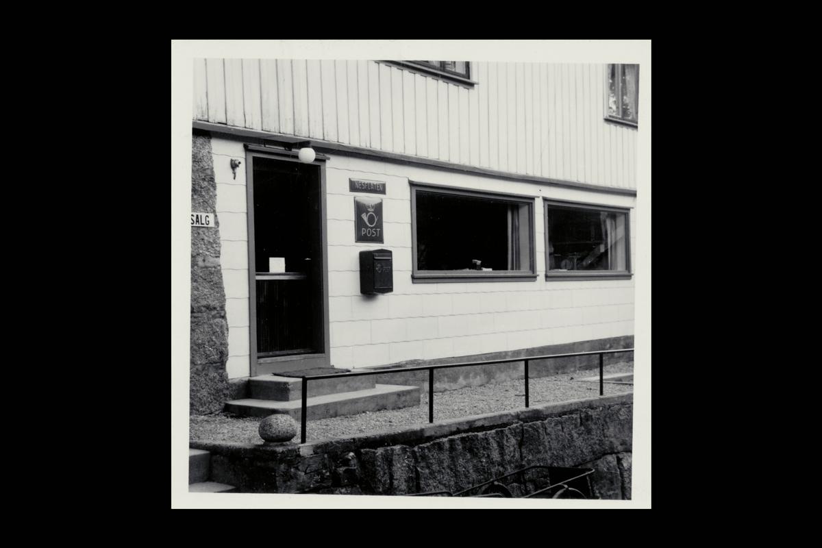 eksteriør, poståpneri, 4244 Nesflaten, postkasse, postskilt