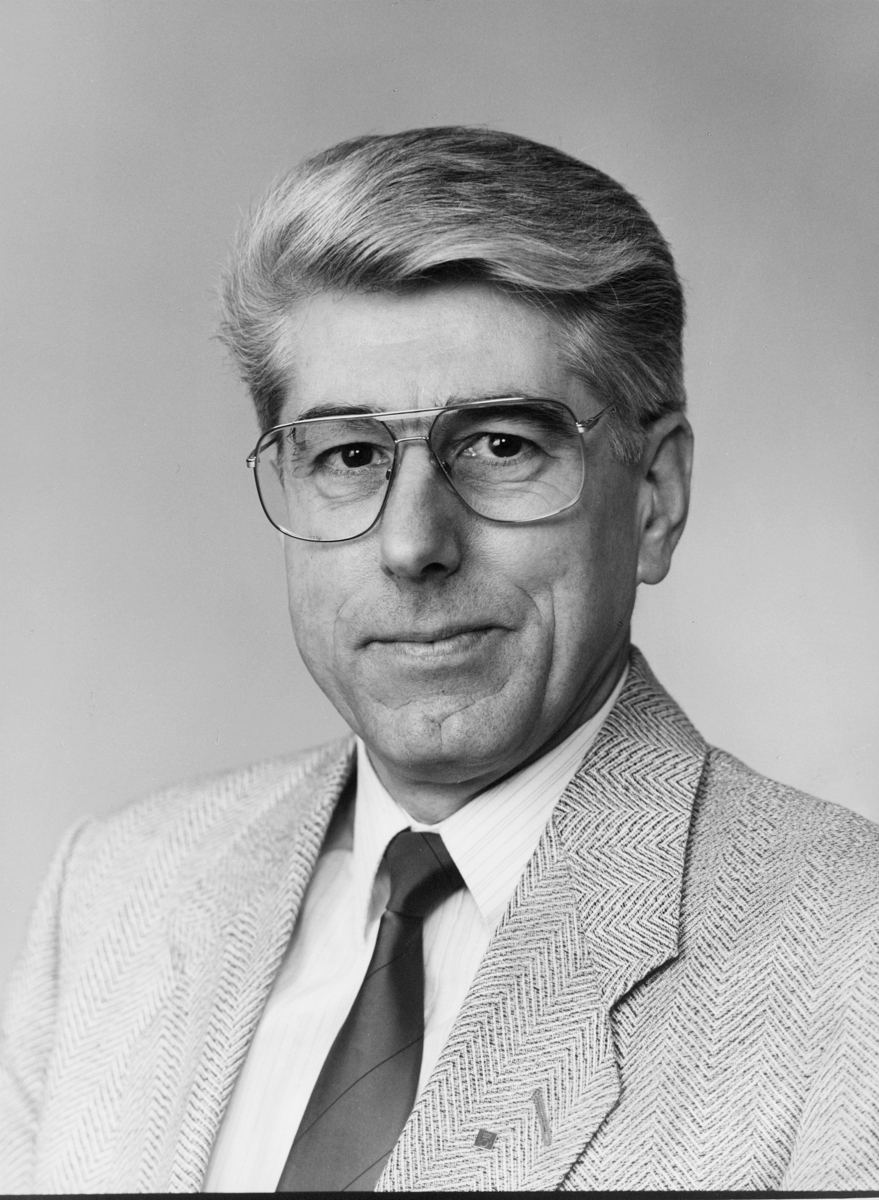 postsjef, Ueland Ivar Terje, portrett