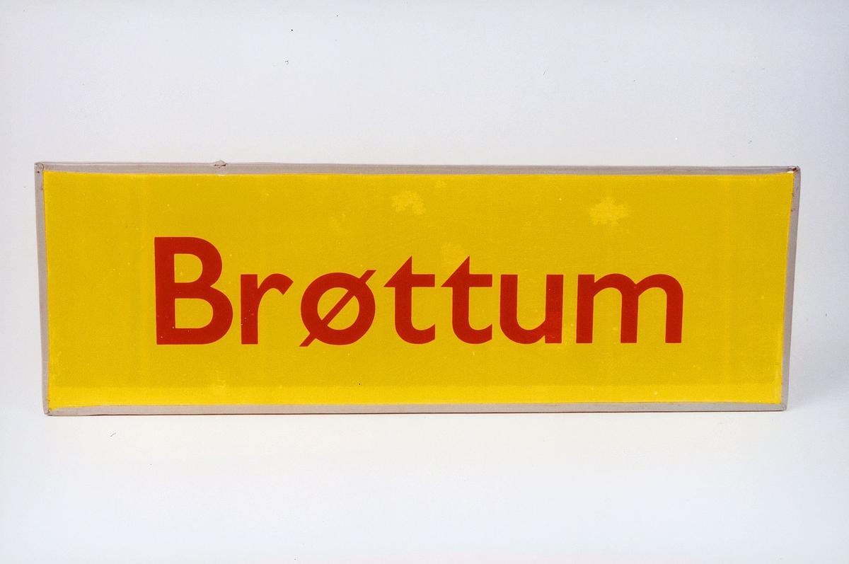 Postmuseet, gjenstander, skilt, stedskilt, stedsnavn, Brøttum.