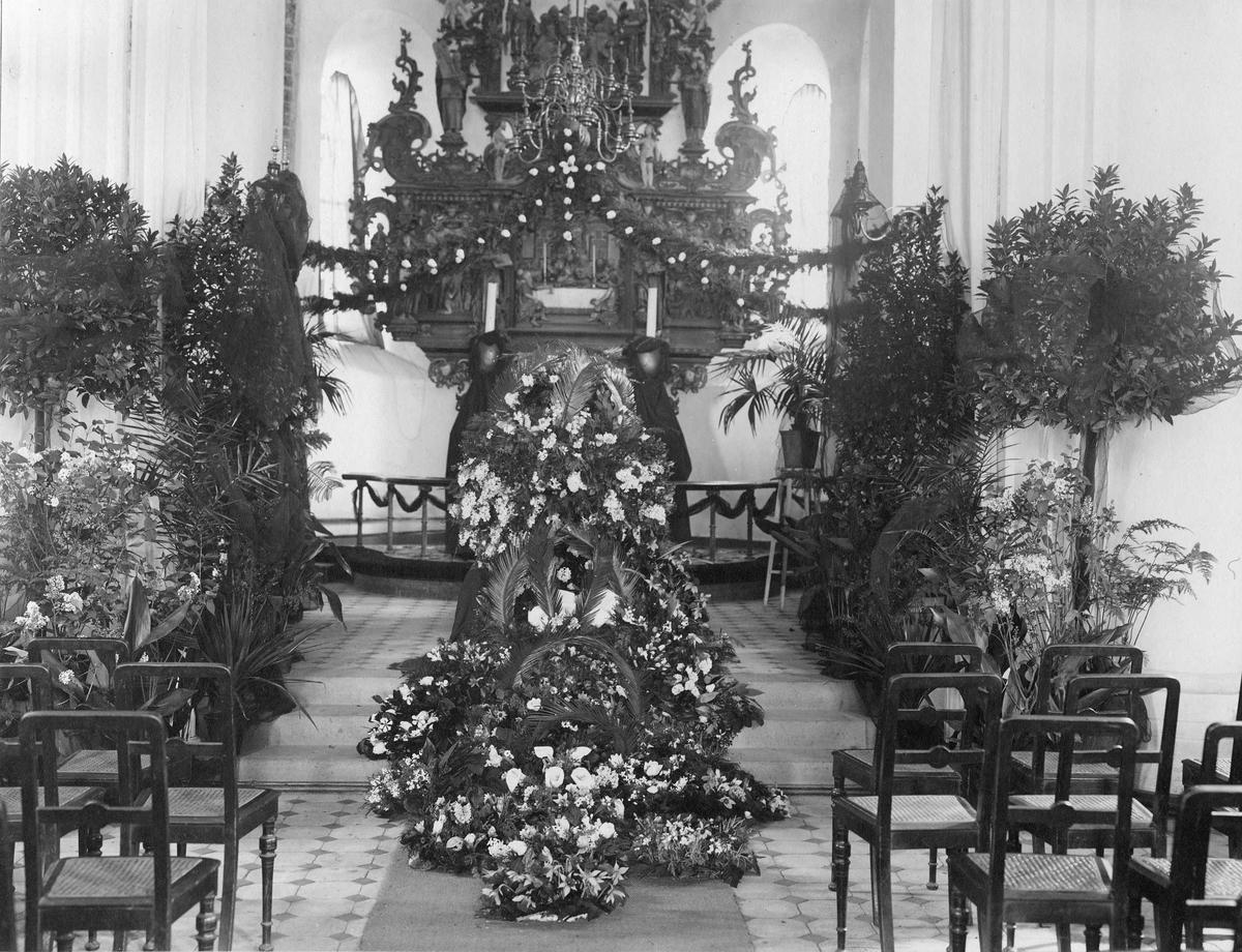 Kirke, interiør, begravelse