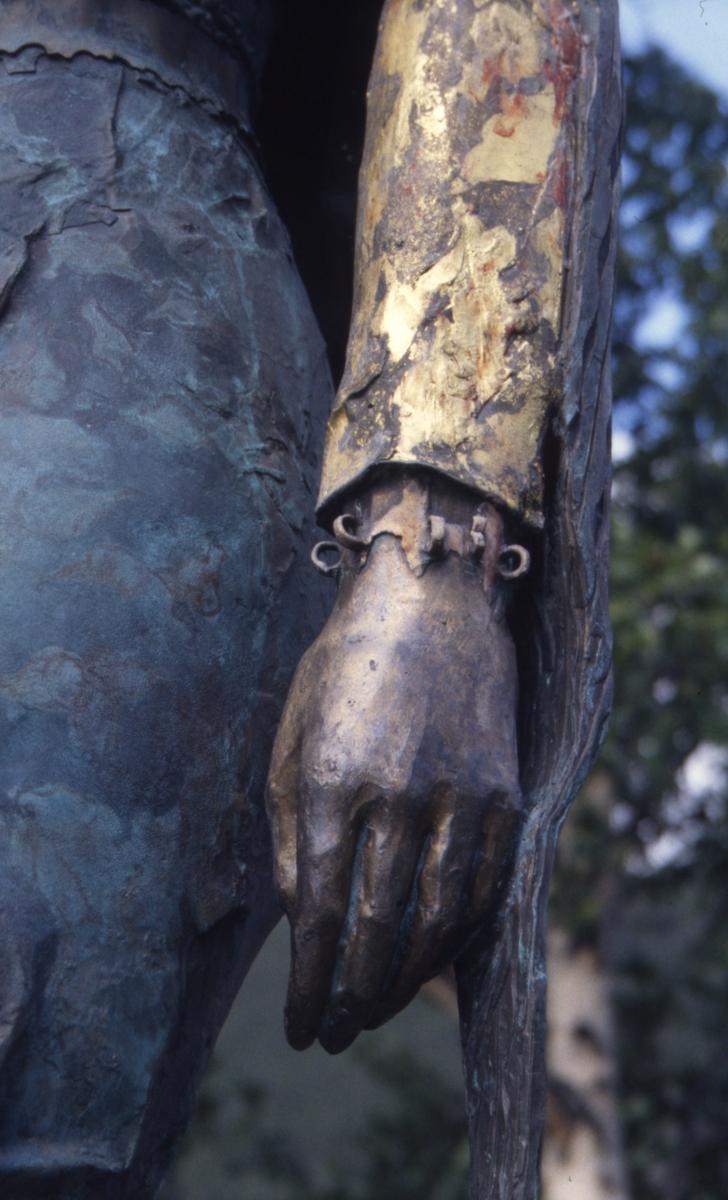 DOK:1995, Sel, Kristin Lavransdatter, statue,
