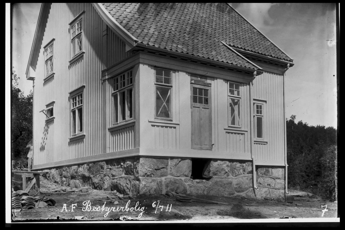 """Arendal Fossekompani i begynnelsen av 1900-tallet CD merket 0470, Bilde: 31 Sted: Bøylefoss Beskrivelse: Huset """"Messa"""" (ingeniørbolig)"""