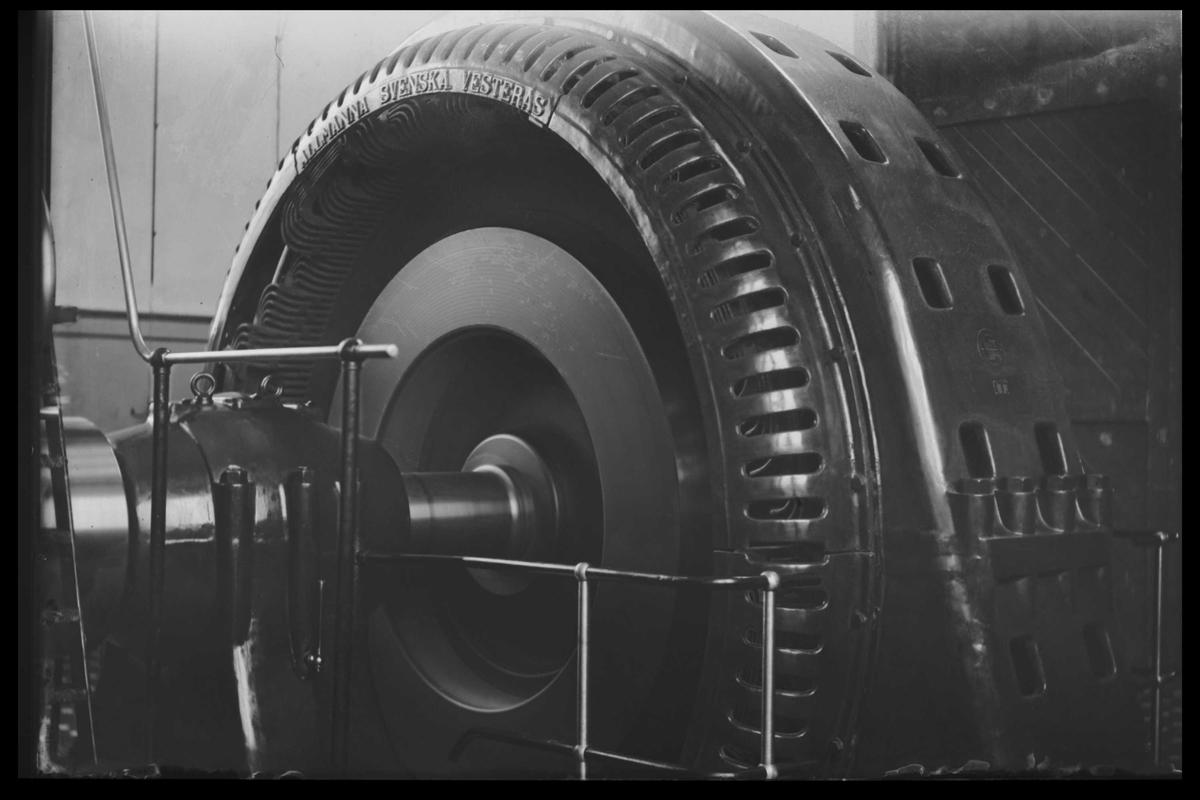 Arendal Fossekompani i begynnelsen av 1900-tallet CD merket 0474, Bilde: 5 Sted: Haugsjå Beskrivelse: Generator