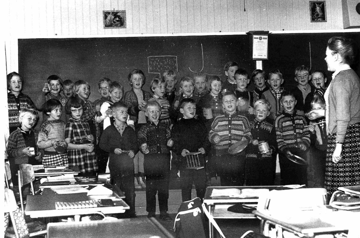 Bilder fra Birkenes kommune Birkeland skole 1961 eller 1962