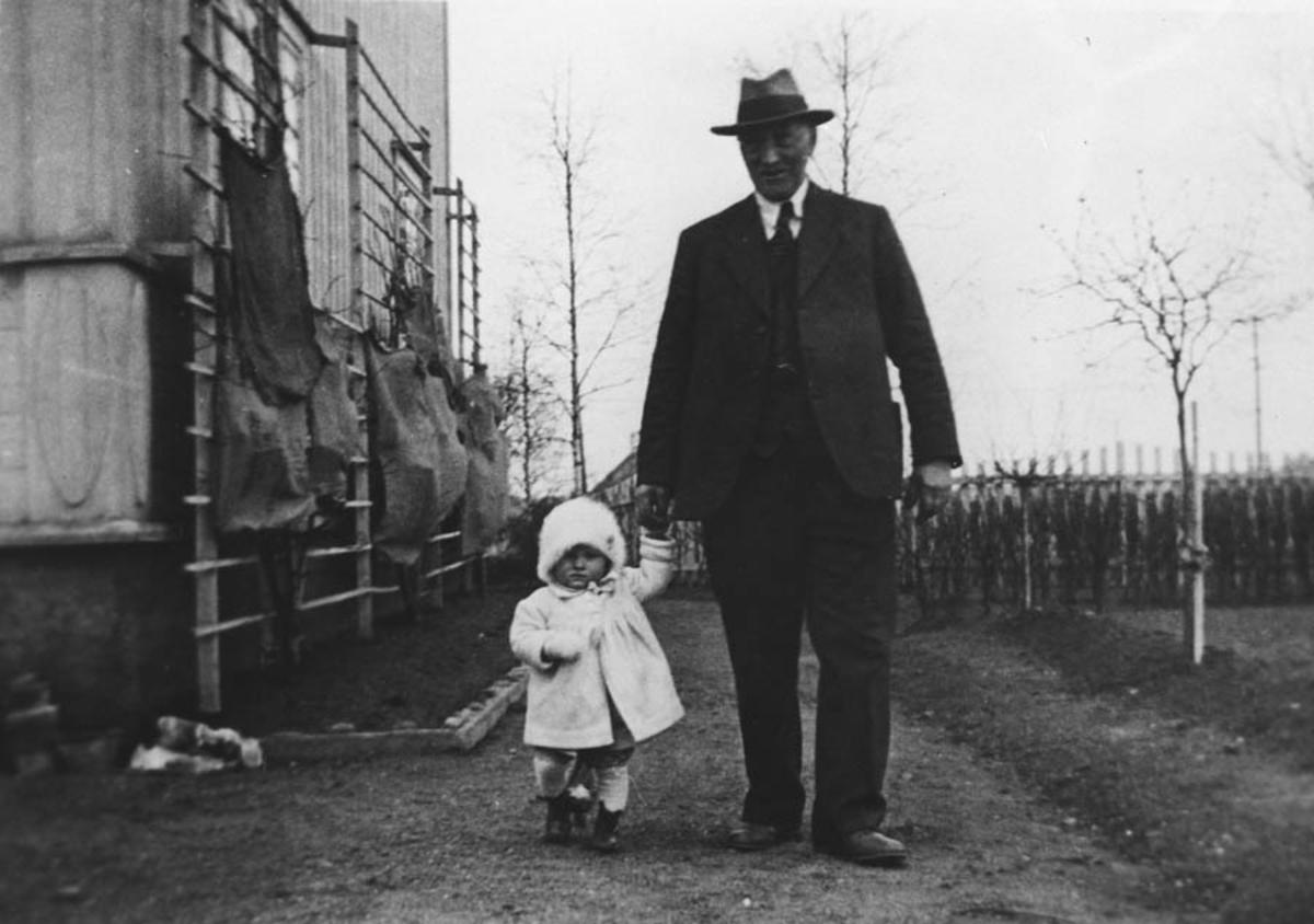 Helene Johannson m/ morfar Seierstad 1933.