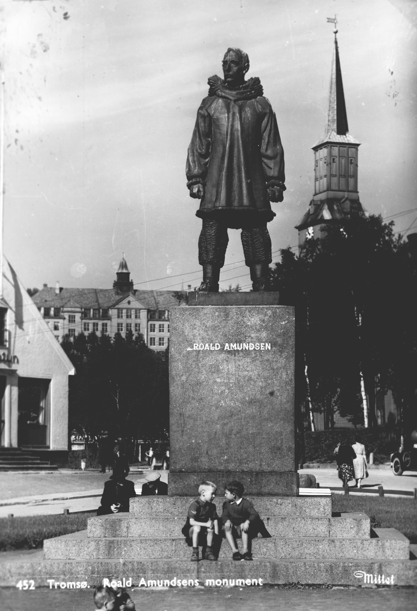 Roald Amundsens monument i Tromsø