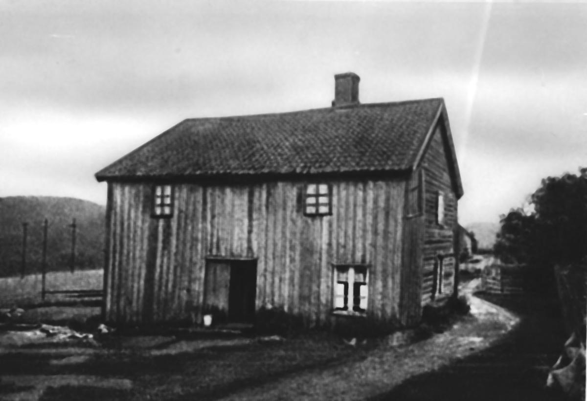 Det gamle våningshuset på Kjenn gård.