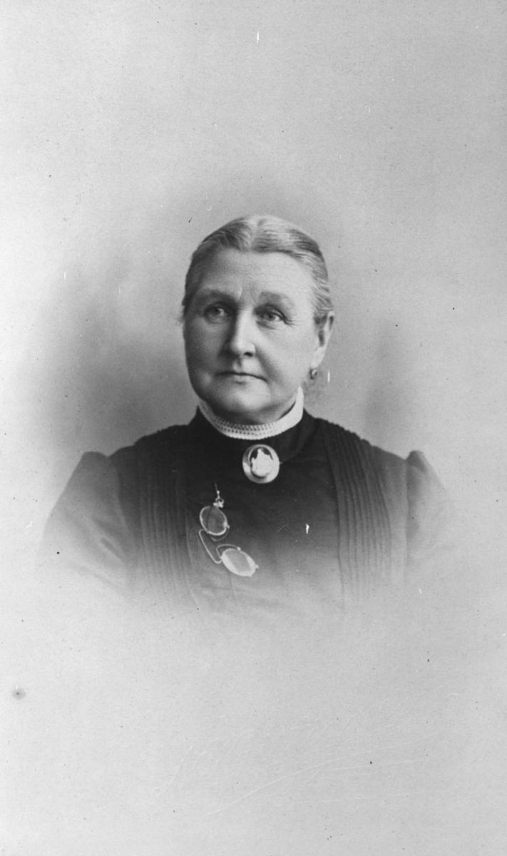 Marthea Gjesti.