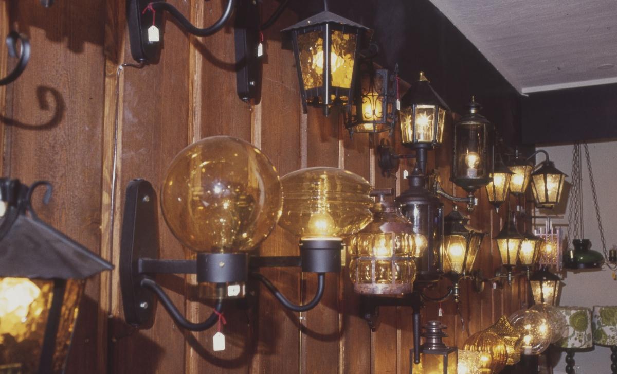 Lampeutstilling, 2. etasje