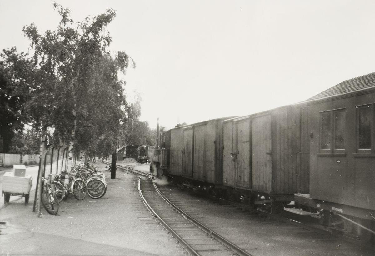 Tog retning Skulerud på Sørumsand stasjon.