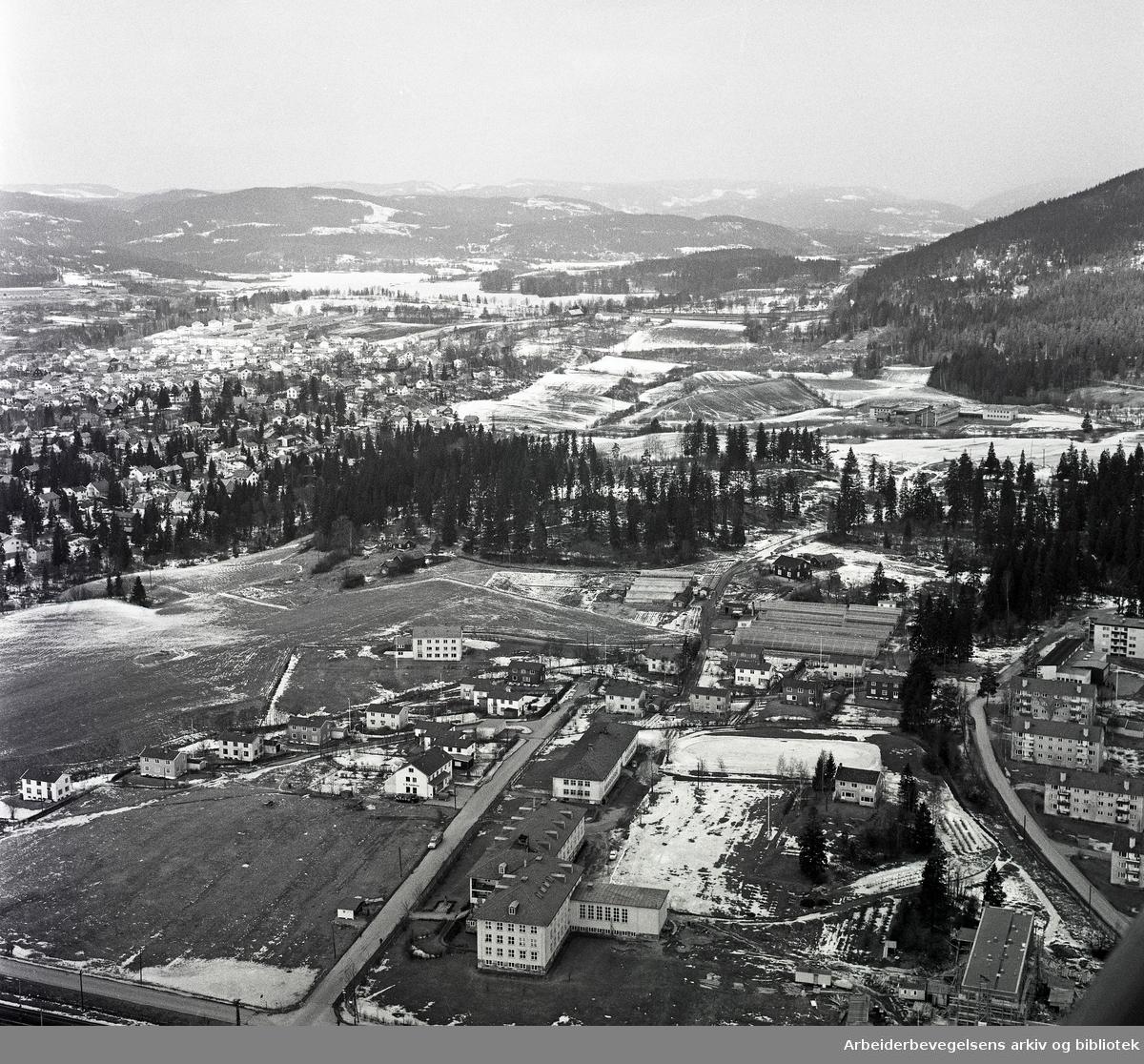 Flyfoto over Hovseter,.april 1964