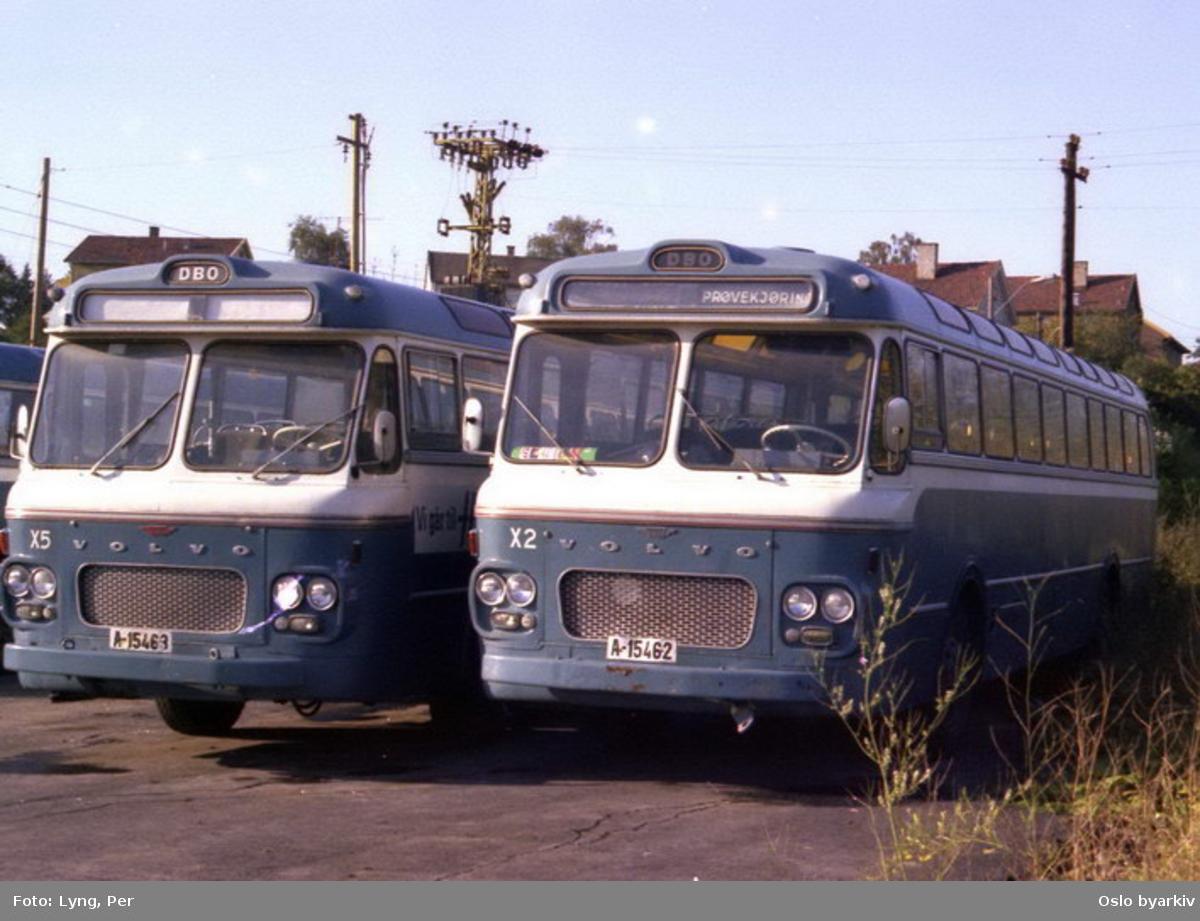 Busser, De Blå Omnibusser, DBO buss A-15462 og A-15463 på Alnabru bussgarasje.