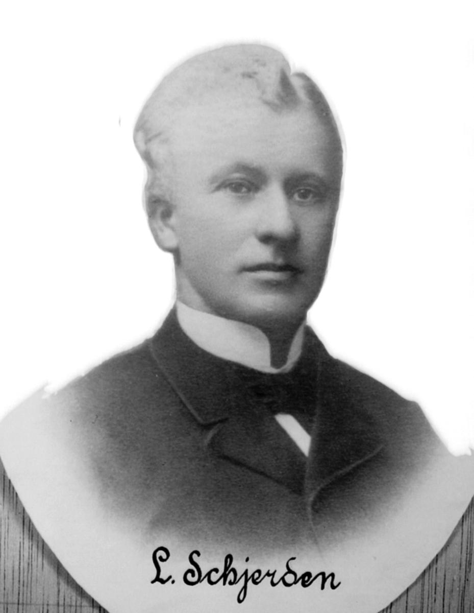 PORTRETT: L. SCHJERDEN, GARDBRUKER, STANGE