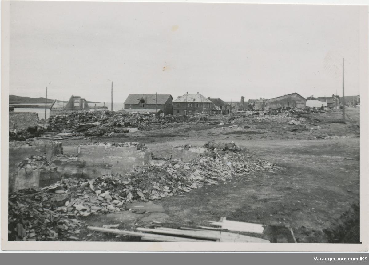 Vardø sentrum etter storbombingen 23. august 1944