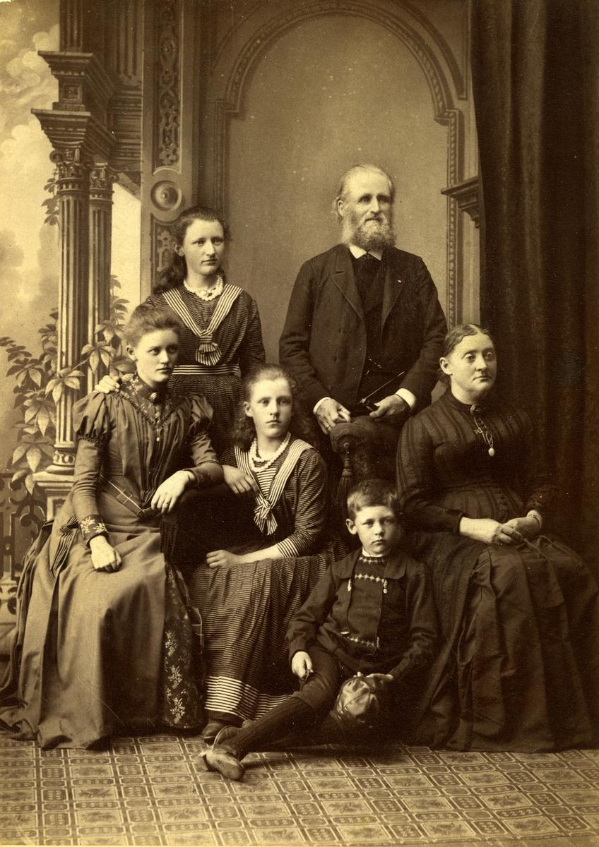Familiebilde-Helge med familie