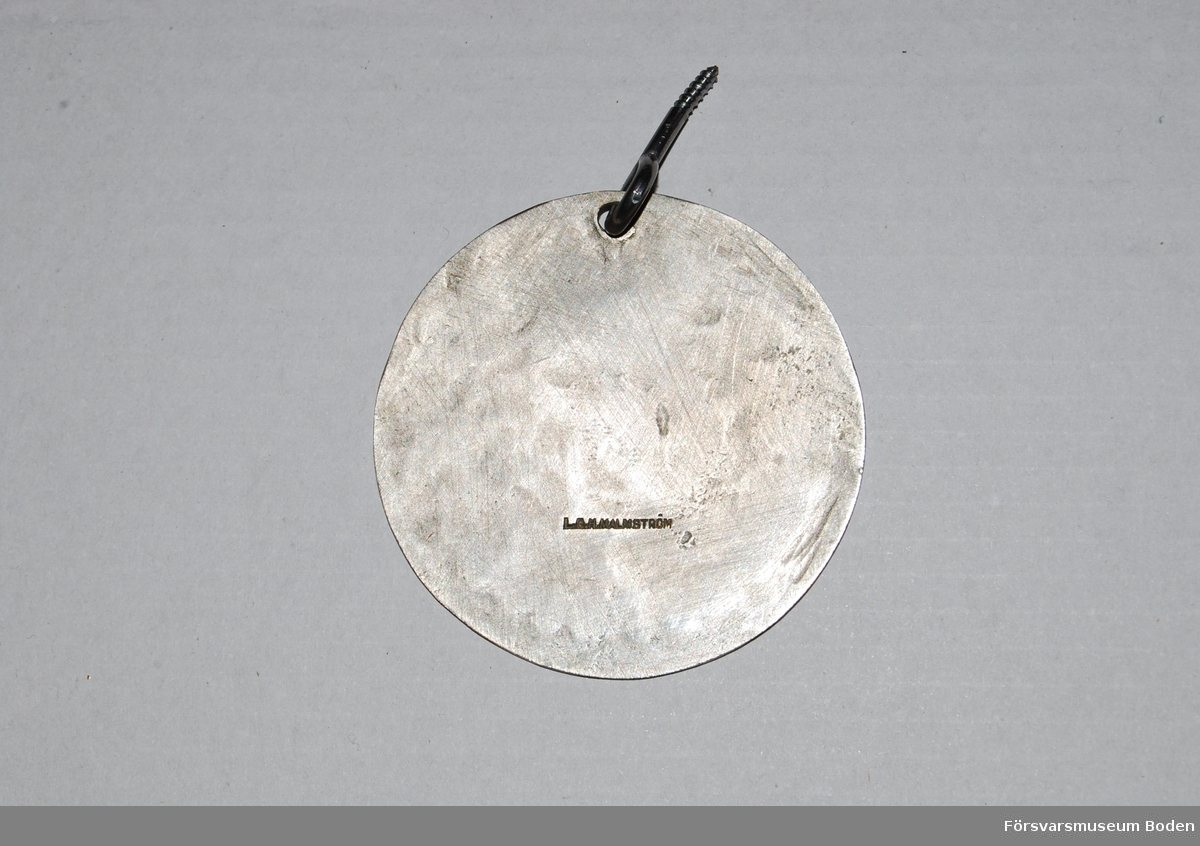 Enligt stämpeln på baksidan tillverkad av Lars Gustaf Hampus Malmström a341ac027465e