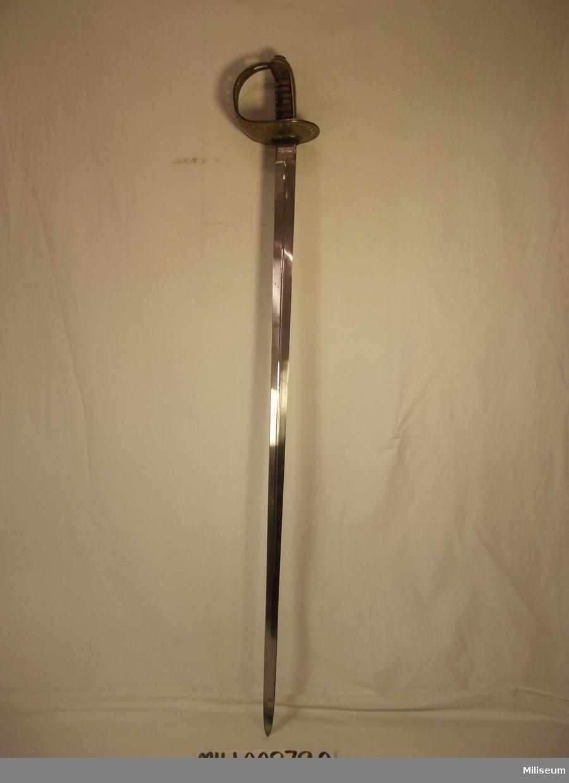 Sabel m/1893 för manskap vid kavalleriet. Använd vid 1 skvadronen vid Smålands Husarer (K4) Nummer: 236