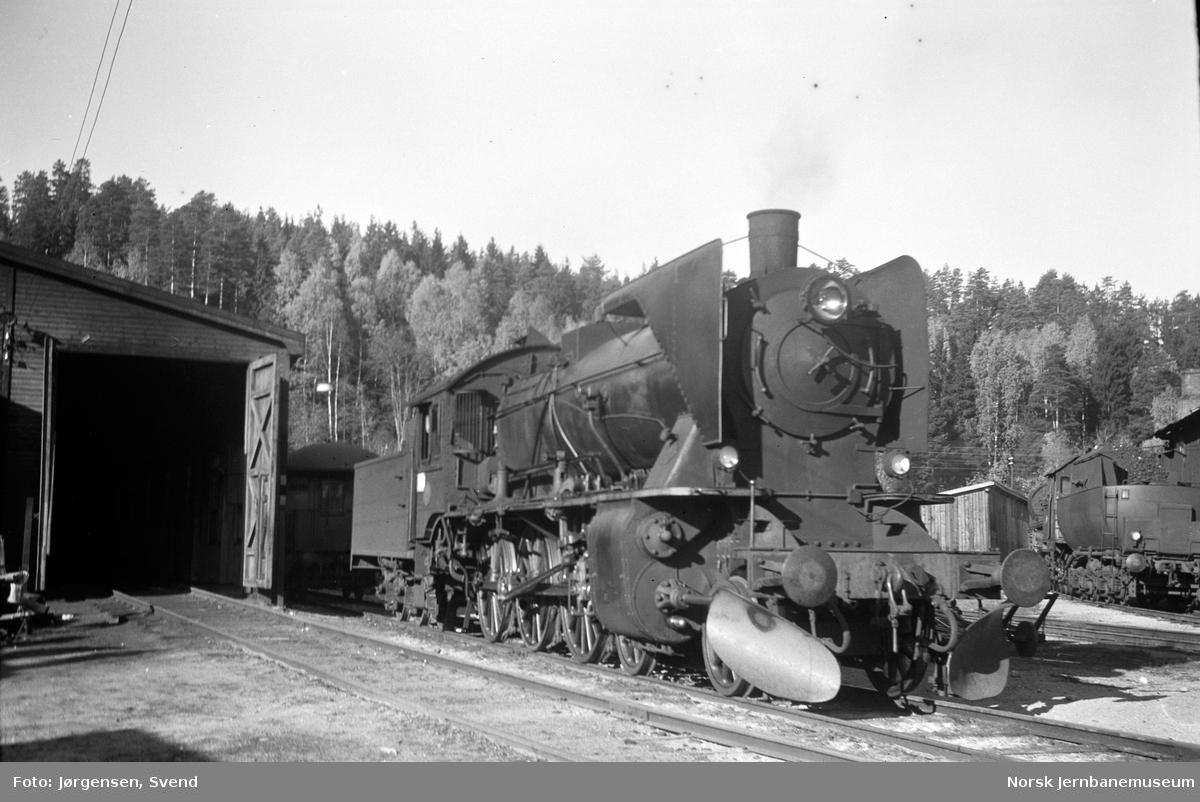 NSB damplok type 45a nr. 2 på Hønefoss stasjon