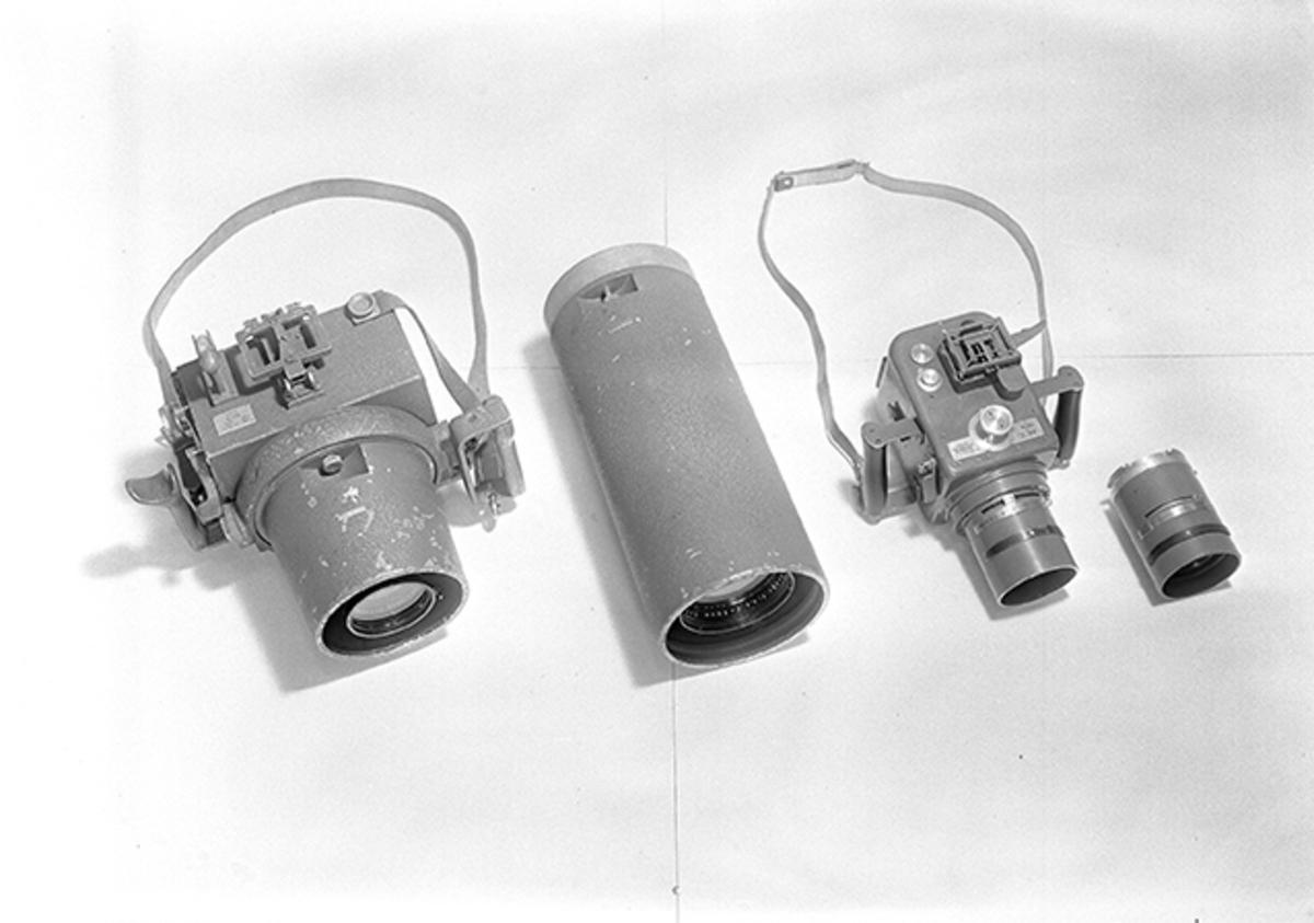 Spaningskamerorna handkamera 5 och handkamera 7, med tillhörande objektiv uppifrån.