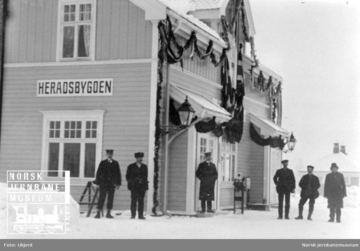 Heradsbygden stasjonsbygning ved banens åpning 3. desember 1910