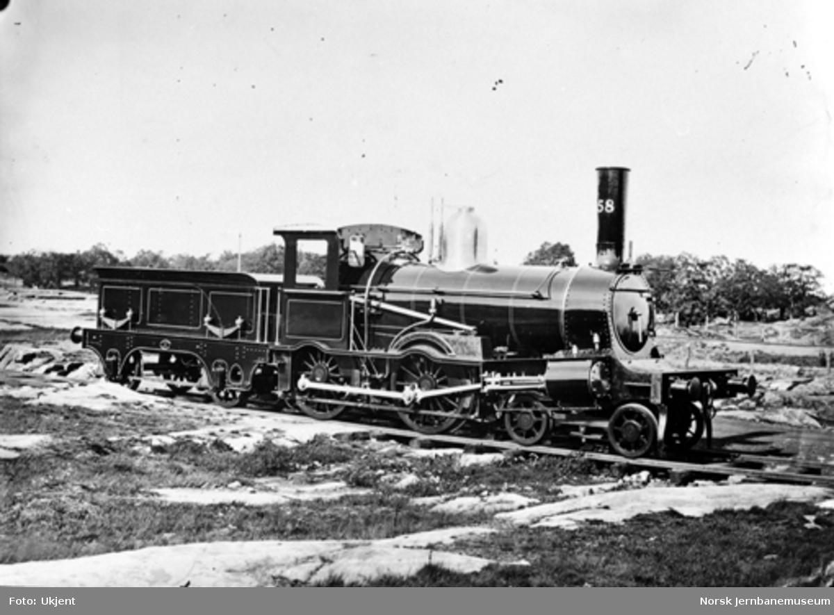 Leveransefoto av Østfoldbanens damplokomotiv type 9a nr. 58 ved levering fra Nydqvist & Holm i Trollhättan