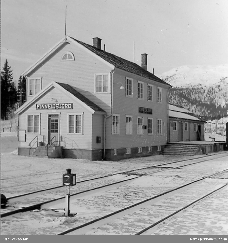 Finneidfjord stasjonsbygning