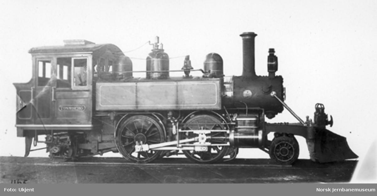 """Leveransefoto av Tønsberg-Eidsfossbanens damplokomotiv """"Tønsberg"""""""
