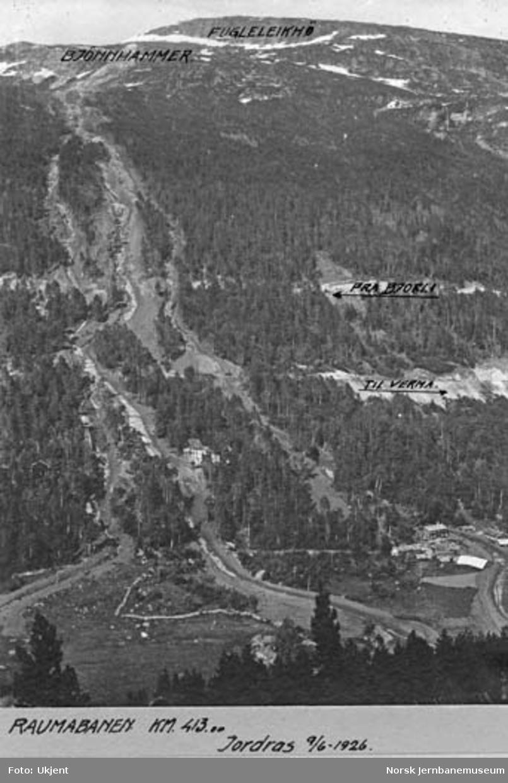 Jordskred ved Verma 9.6.1926 : oversiktsbilde