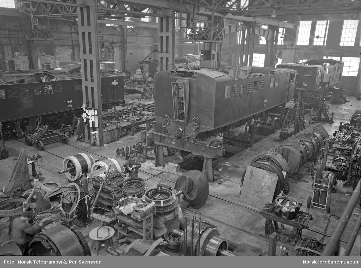 Ofotbanen : elektriske lokomotiver i verkstedet