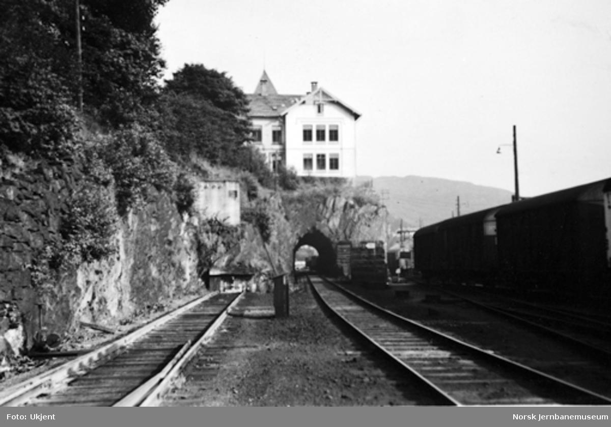 Bergen stasjon : Sejersberget tunnel før bortsprengning
