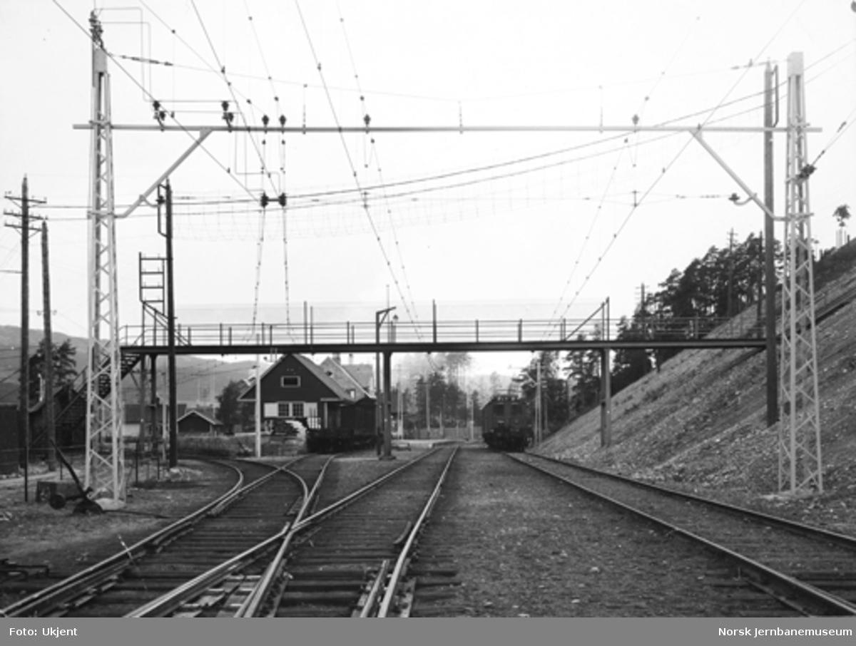 Tinnosbanens elektrifisering : anlegget på Notodden stasjon