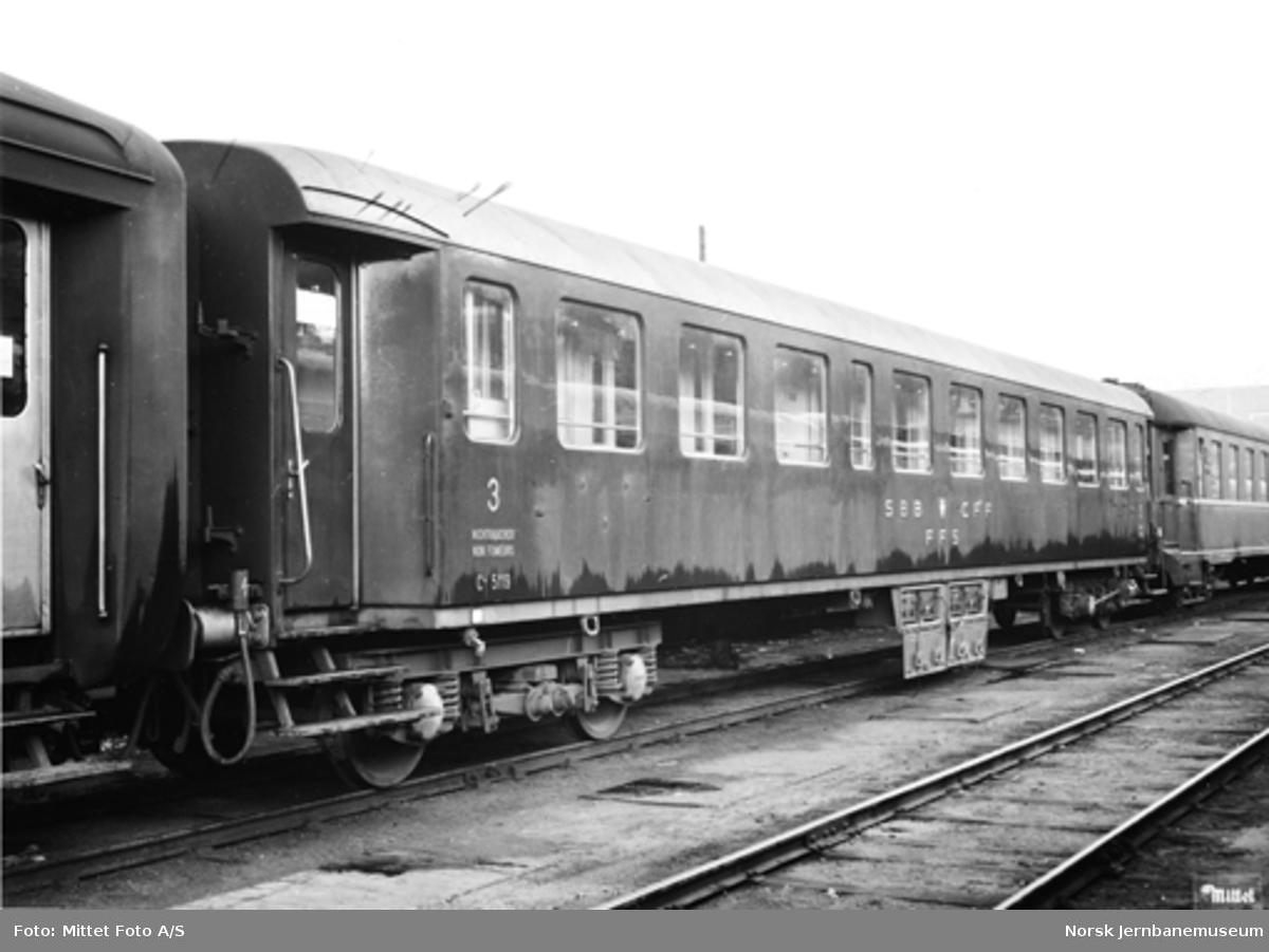 Innleid sveitsisk personvogn litra C4 nr. 5119