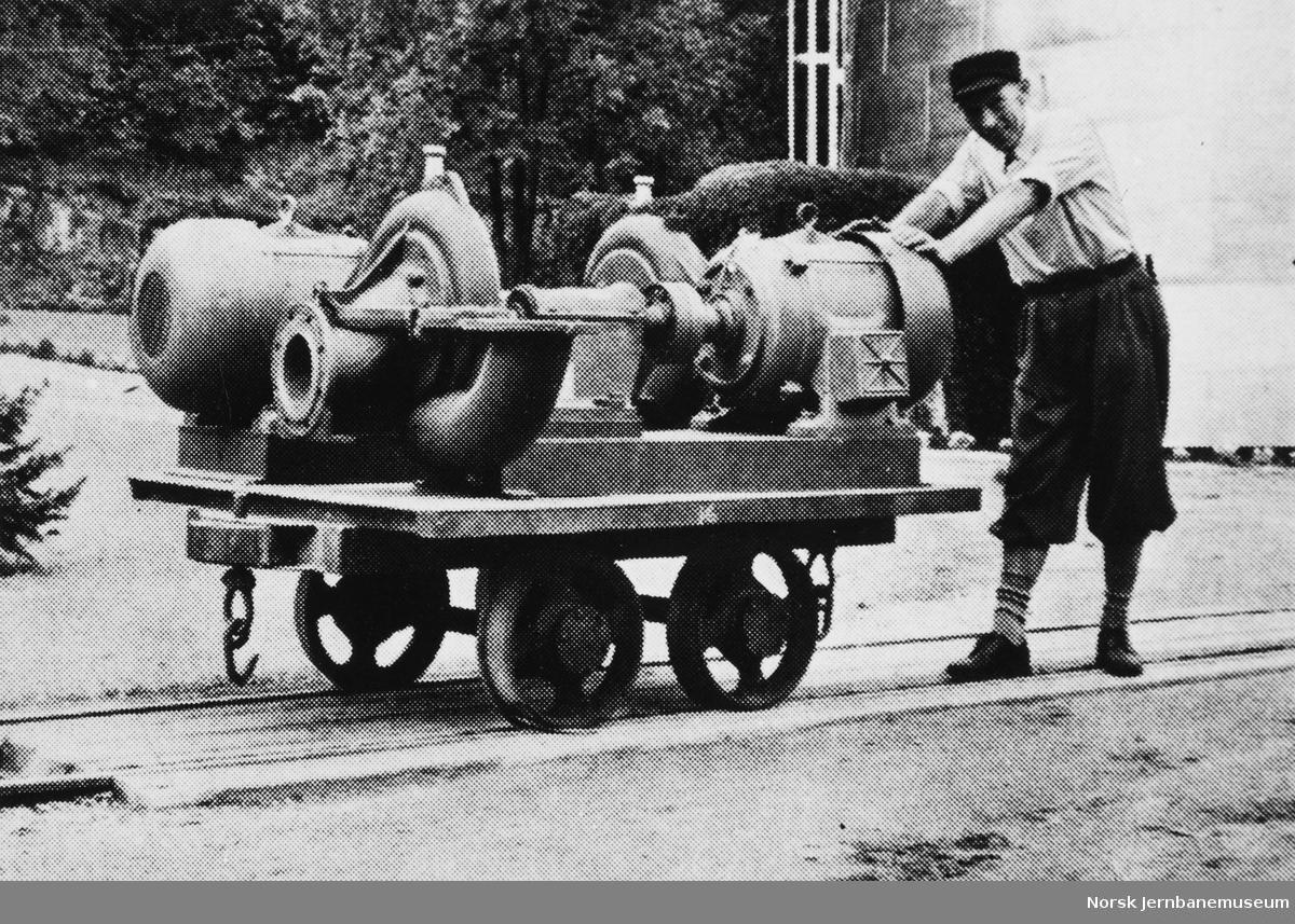 Fra Skotfos Brug med en vogn med støpegods