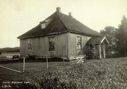 Ovin, Enebakk, Nedre Romerike, Akershus. Våningshus med spis