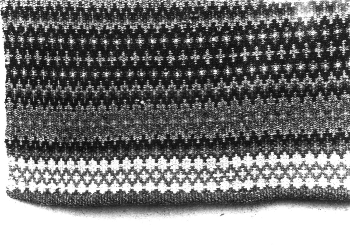 Teppe, detalj av krokbragd. Fjotland, Kvinesdal, Vest-Agder 1941.