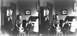 Interiør, Munkedamsveien 3, Oslo, 1903. Familie, mor Margret