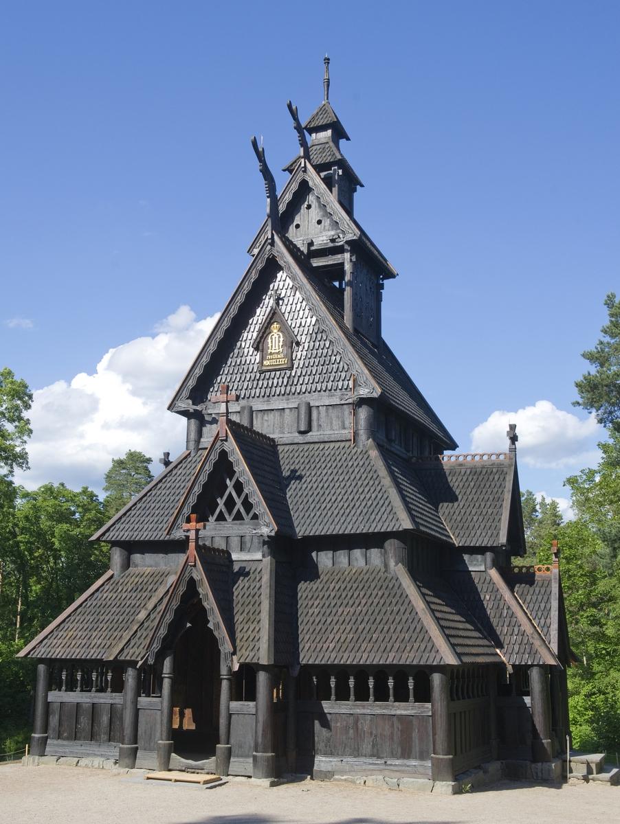 Gol stavkirke på Norsk Folkemuseum etter istandsettelsen som foregikk vinteren/våren 2012. Fotografert 20. juni 2012.
