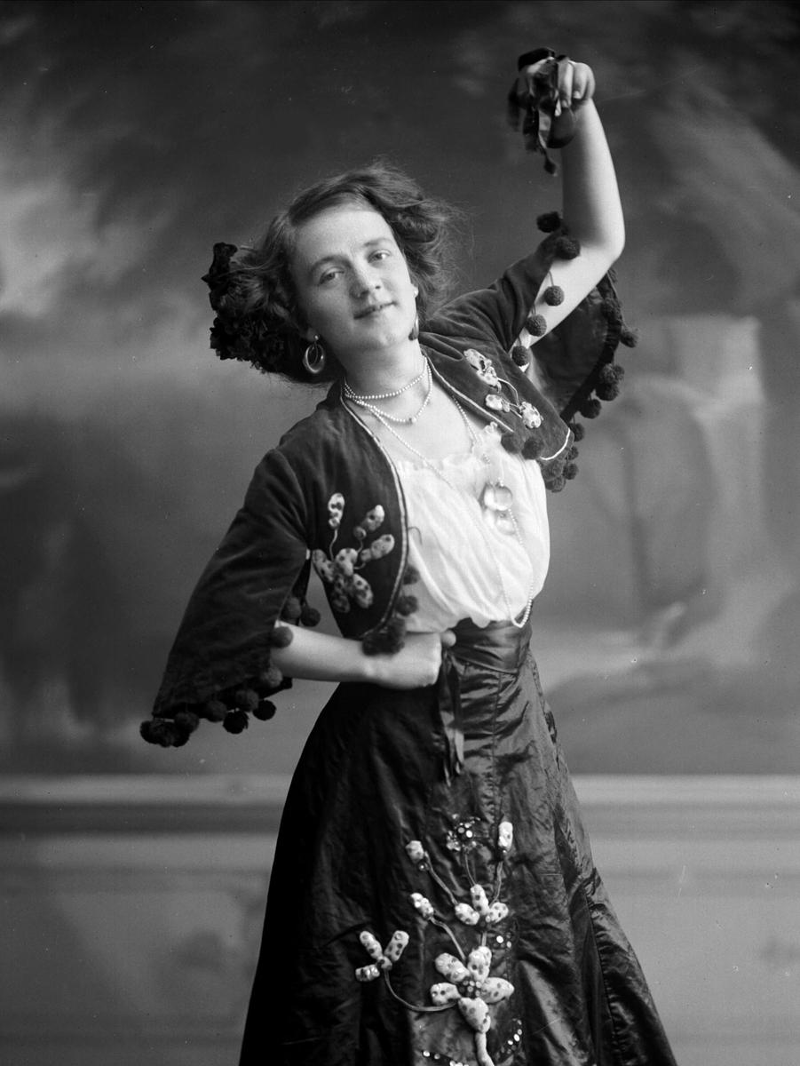 Portrett, Gudrun Klausen, danser, koreograf.