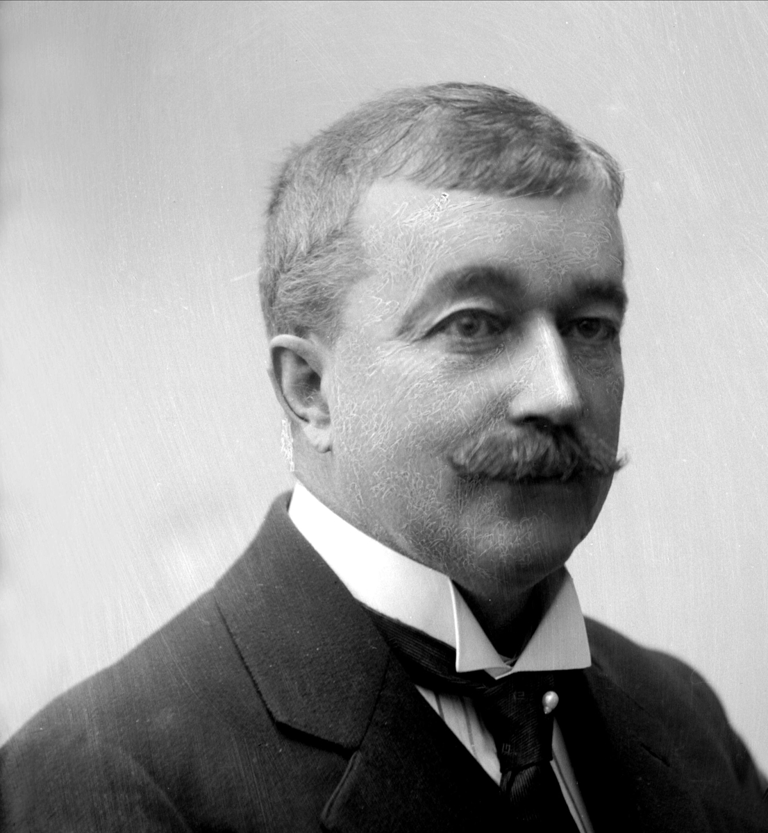 Portrett, Fredrik Emil Hallager.