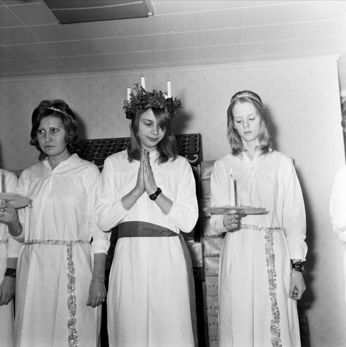 Luciatåg på Pricks Bagerier AB:s julfest, Tierp, Uppland 1973